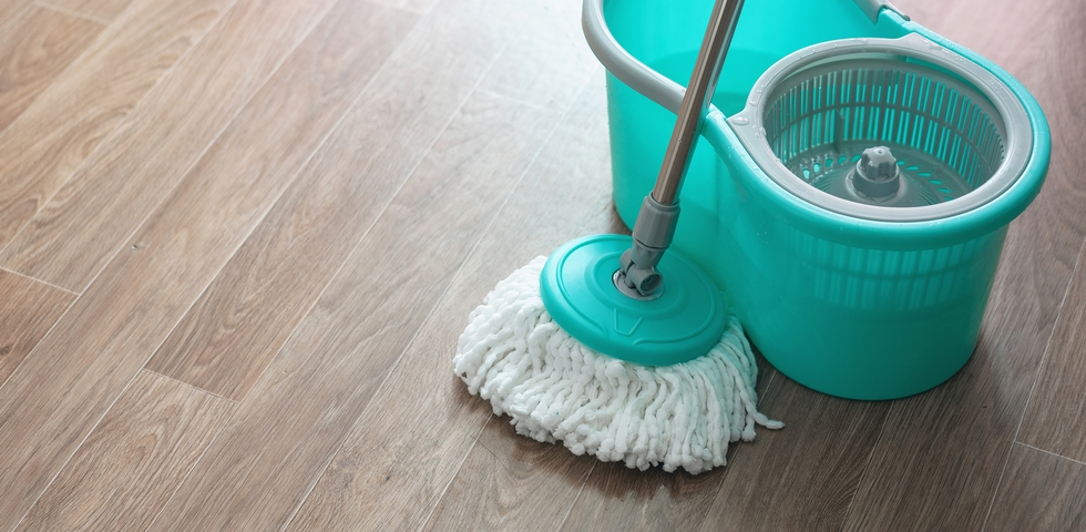 Use different cleaning materials to suit the floor type